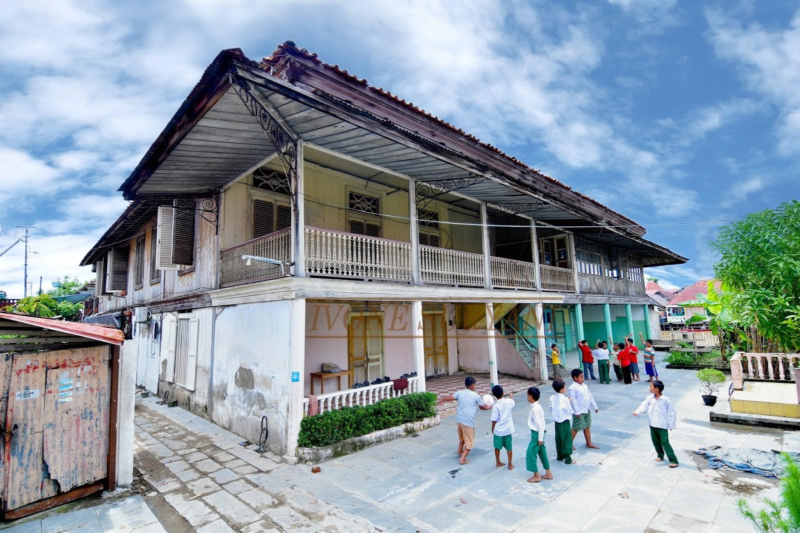 Kampung Arab Al Munawar Palembang Anak Bermain Bersama Kota