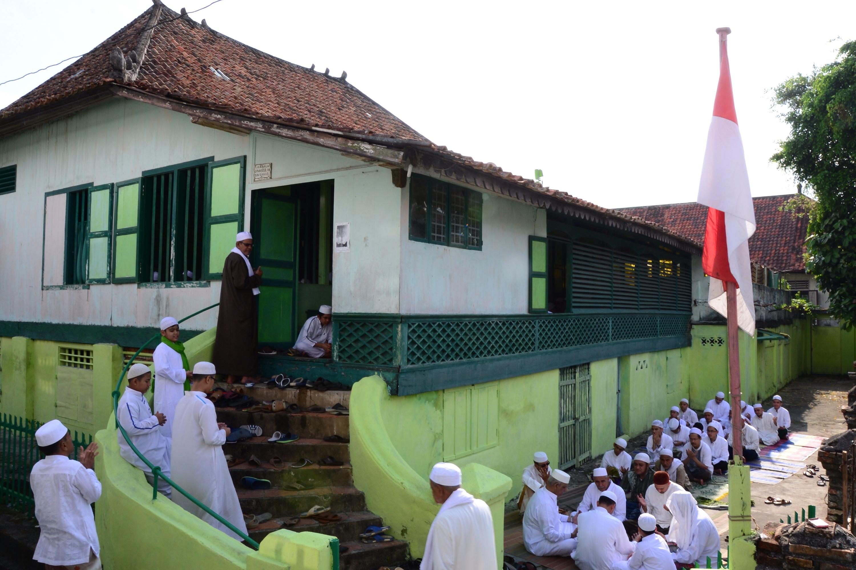 Silahturahmi Warga Palembang Berita Daerah Kampung Arab Bersilahturahmi Satu Rumah