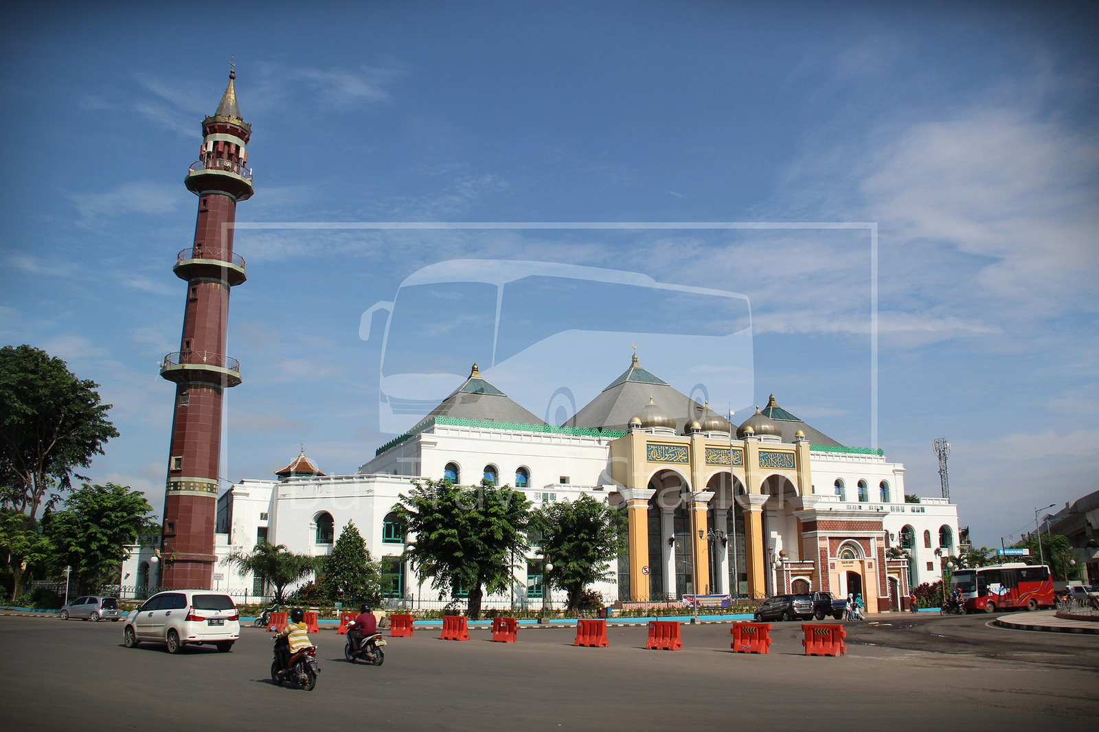 Masjid Agung Palembang Bustravel Station Area Home Sultan Mahmud Badaruddin