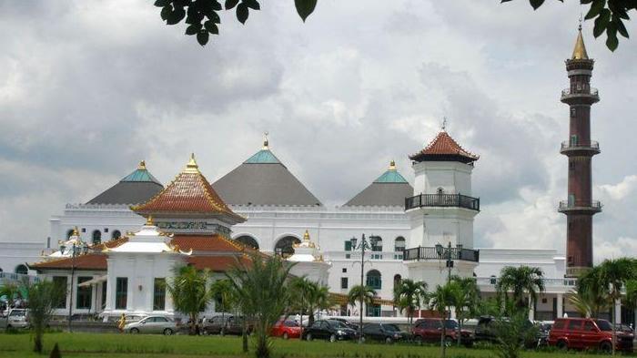 Masjid Agung Palembang Perpaduan Arsitektur Asia Eropa Segera Dibangun Terowongan