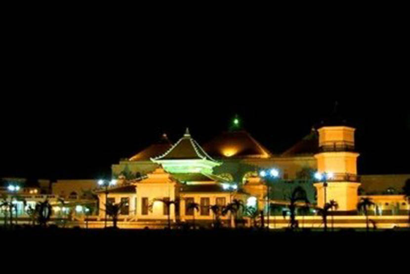 Masjid Agung Palembang Siapkan Shalat Gerhana Matahari Republika Sultan Mahmud