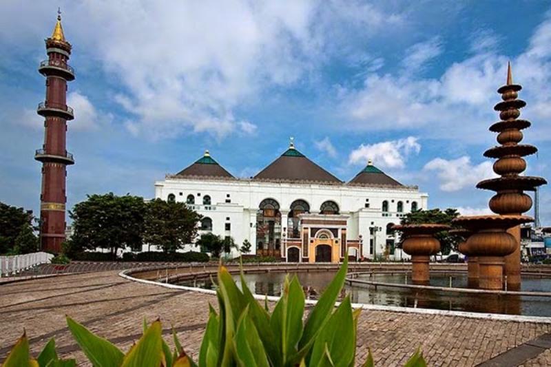Masjid Agung Palembang Simbol Kerukunan Bumi Sriwijaya Sultan Mahmud Badaruddin