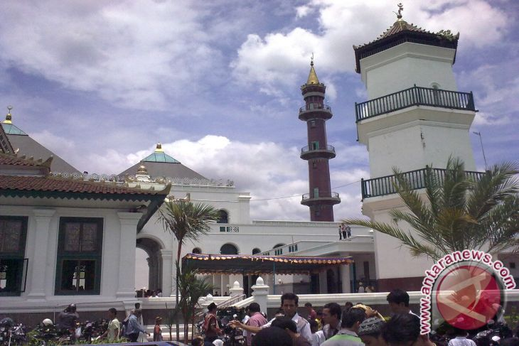 Masjid Agung Smb Palembang Gelar Shalat Gerhana Antara News Sultan