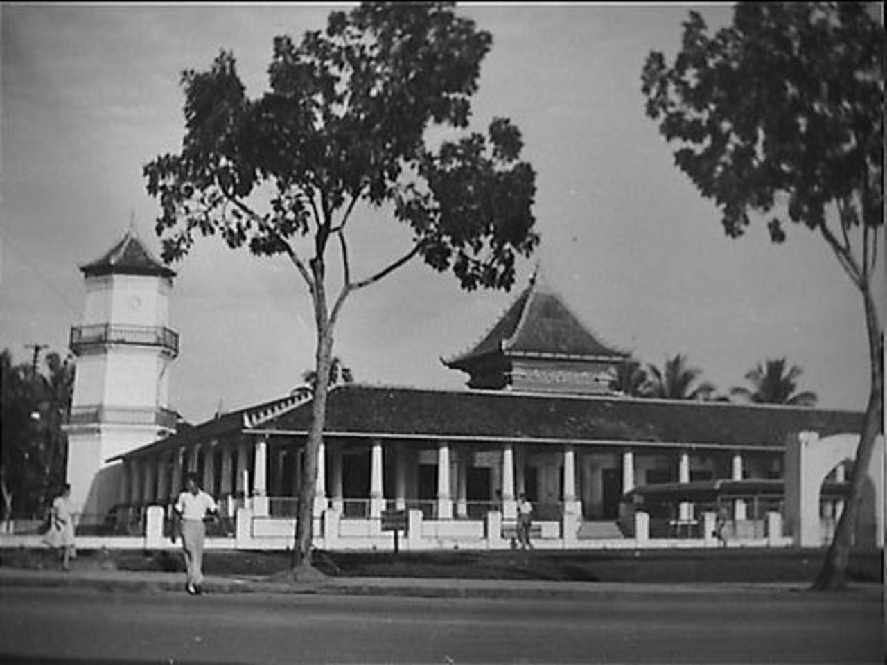 Palembang Seketsa Masjid Sultan Agung 1946 1950 Mahmud Badaruddin Kota