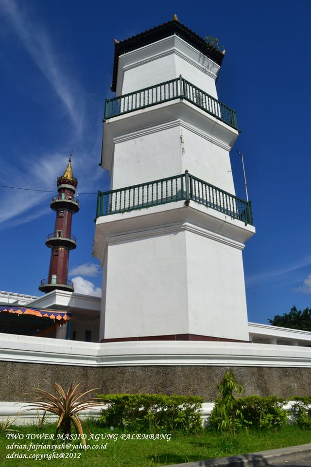 Potret Palembang 2012 Pesona Dua Menara Masjid Agung Sultan Mahmud