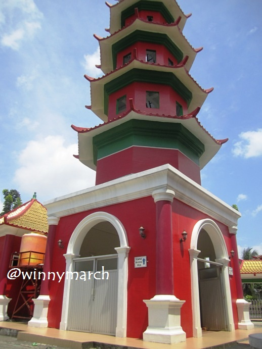 Anak Pengkolan Pilar Masjid Cheng Ho Palembang Hoo Kota