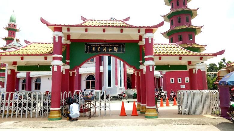 Kelenteng Masjid Cheng Ho Simbol Toleransi Warga Sumsel Mirip Hoo
