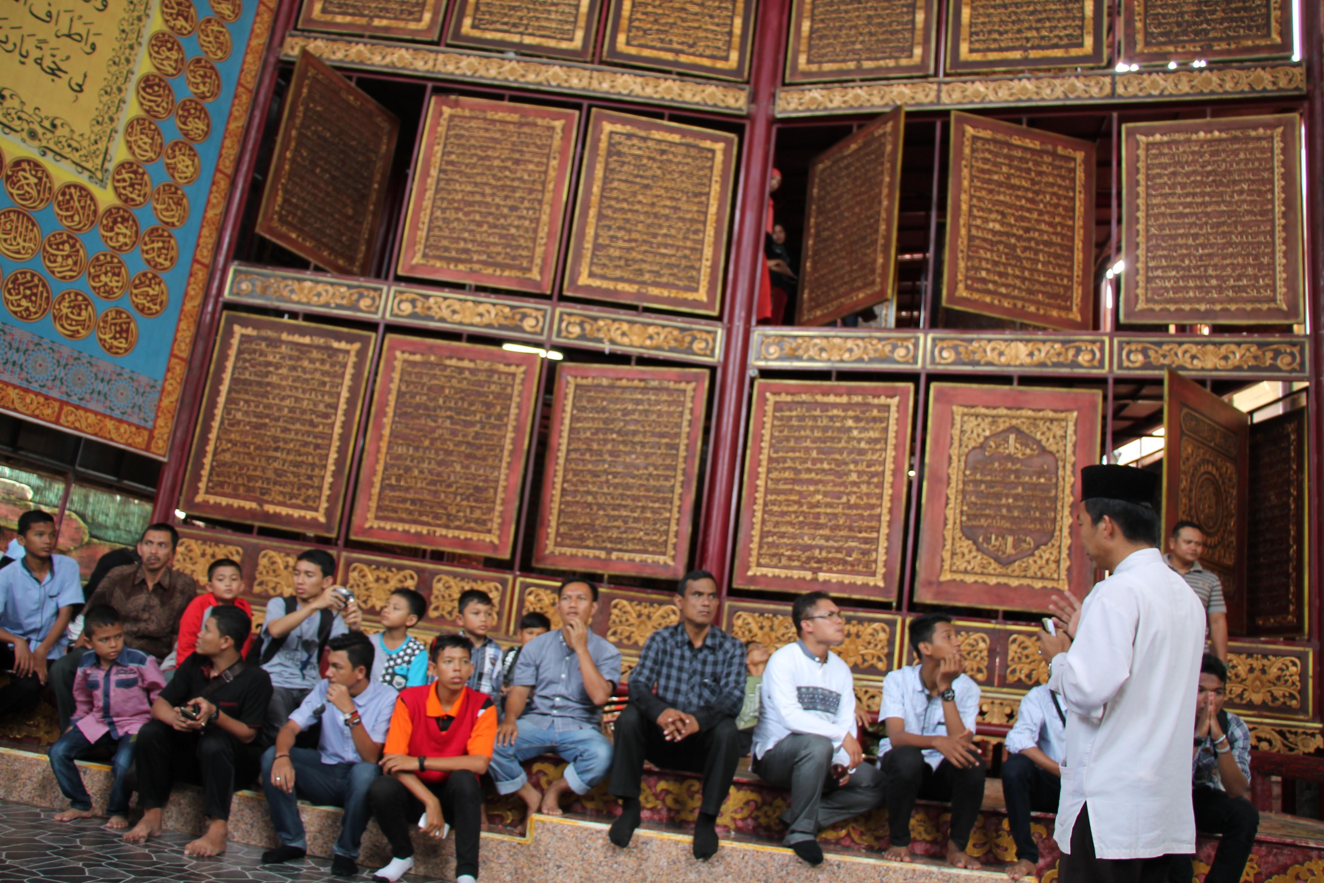 Masjid Cheng Ho Museum Badaruddin Jembatan Ampera Sriwijaya Baytul Quran