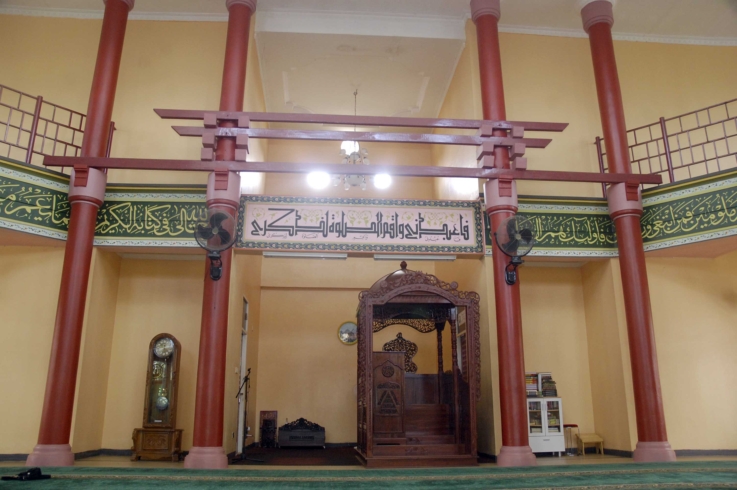 Masjid Cheng Ho Simbol Keragaman Kota Palembang Kontras Suhu Terik