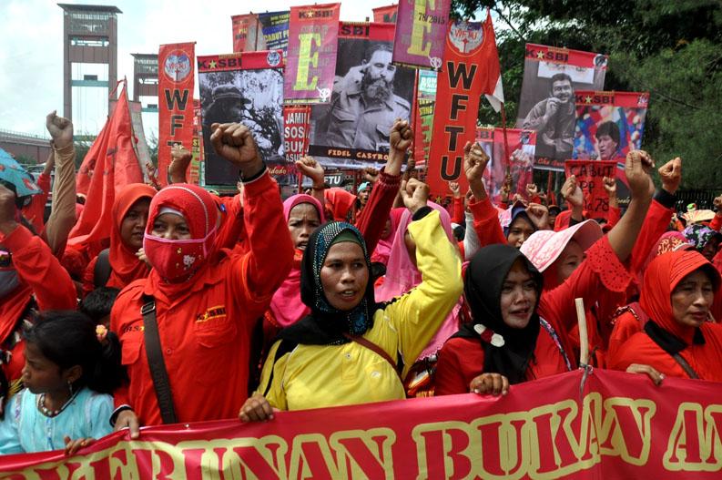 Aksi Day Palembang Ribuan Buruh Serbu Monumen Perjuangan Foto Ferdinand