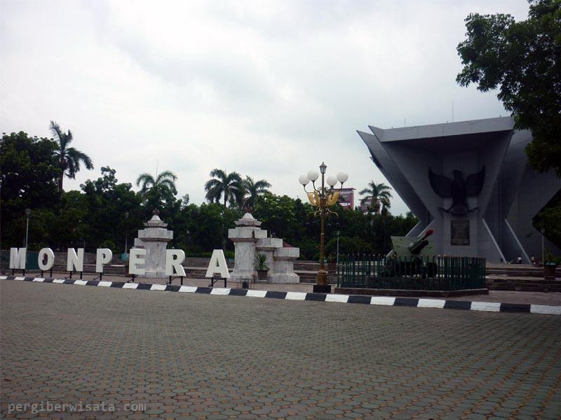 Berkunjung Monpera Palembang Monumen Perjuangan Rakyat Berada Dekat Masjid Agung