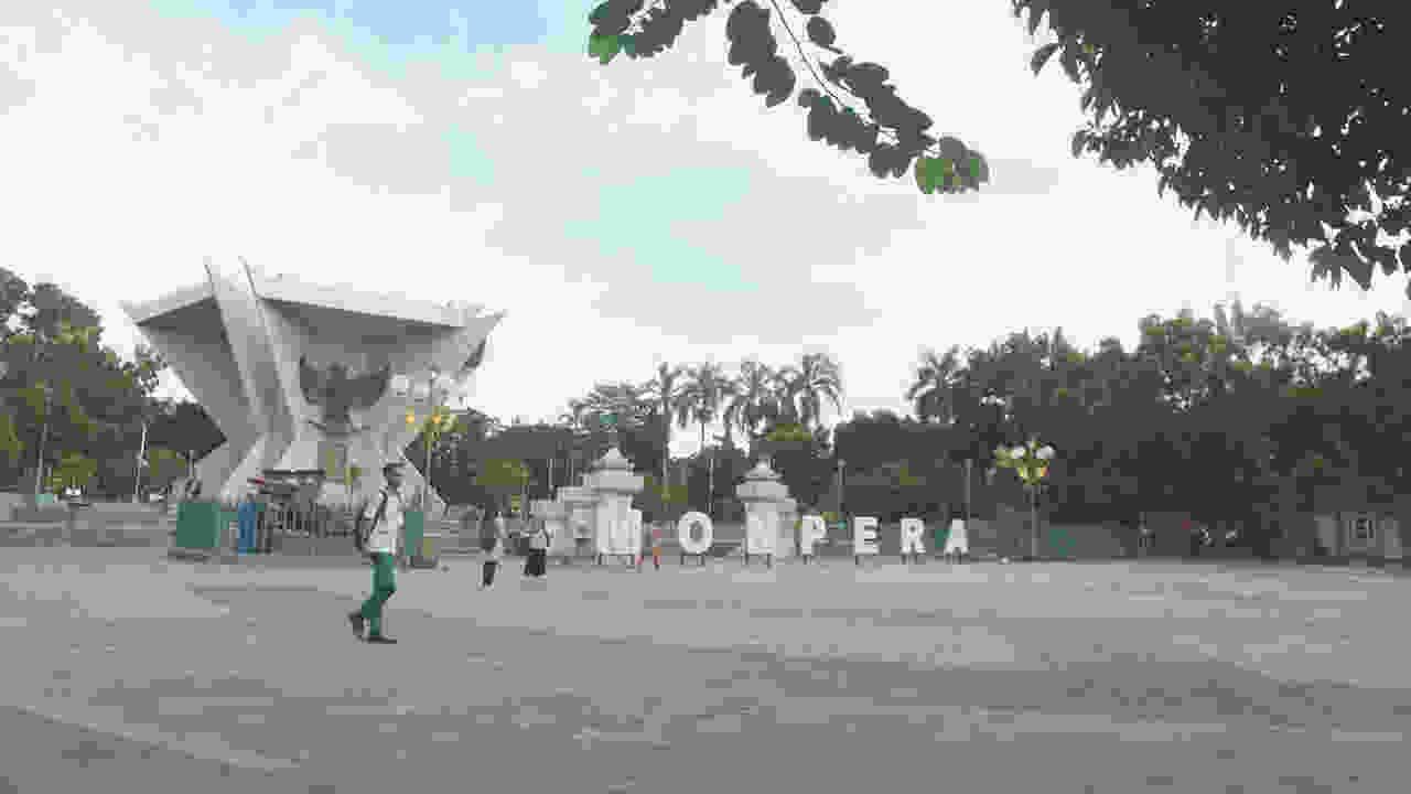 Monpera Monumen Perjuangan Rakyat Lens Media Buku Palembang Kota