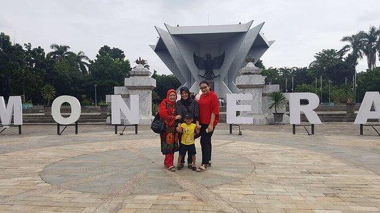 Monpera Monumen Perjuangan Rakyat Palembang Picture Indahnya Kota