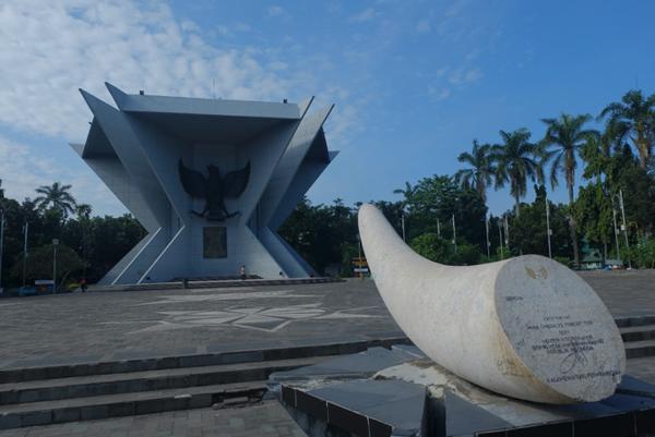 Monumen Perjuangan Rakyat Monpera South Sumatra Tourism Terletak Pusat Kota