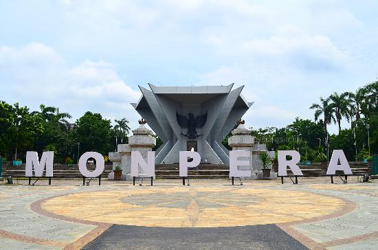 Monumen Perjuangan Rakyat Palembang Backpacker Jakarta Monpera Museum Muzium Kota