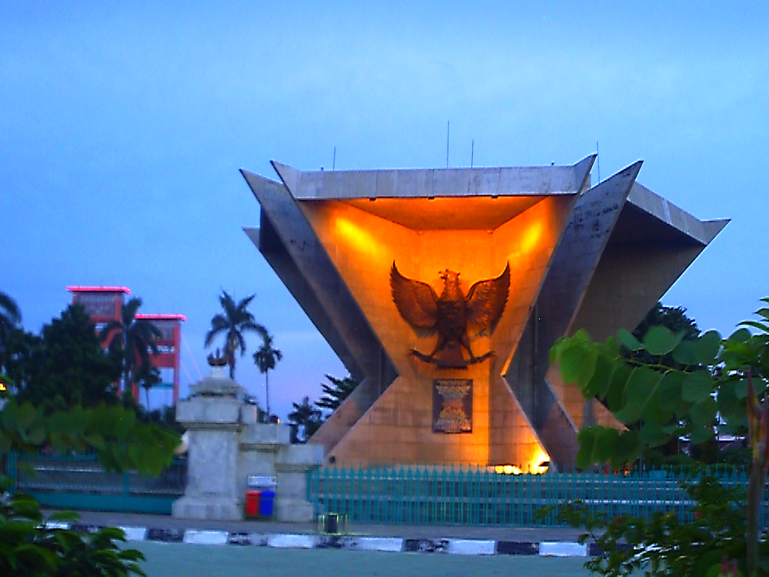 Museum Garuda Kota Palembang Fotodanvideo Bersejarah Foto Cecep Supriatna Monumen