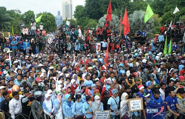 Ribuan Buruh Palembang Aksi Damai Monumen Perjuangan Rakyat Ilustrasi Foto