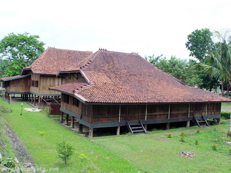 Berkunjung Museum Balaputra Dewa Palembang Wisata Sejarah Rumah Limas Berada