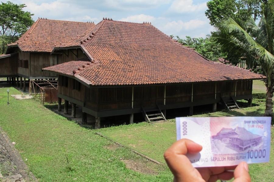 Inilah Penampakan Asli Rumah Uang Rp 10 Ribu Museum Negeri