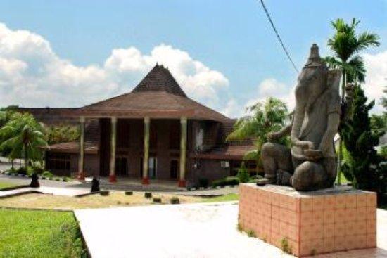 Mesum Bala Putra Dewa Picture Museum Balaputradewa Palembang Negeri Balaputra