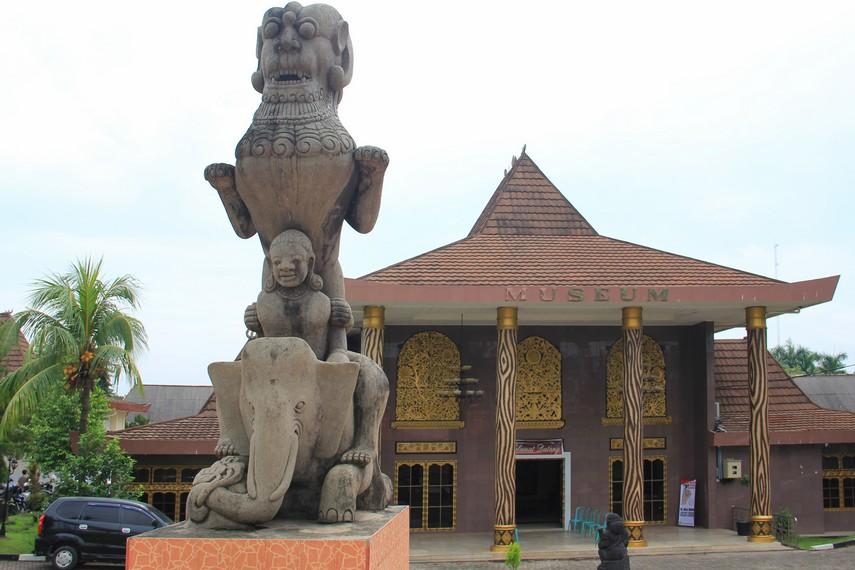 Museum Balaputra Dewa Palembang Negeri Kota