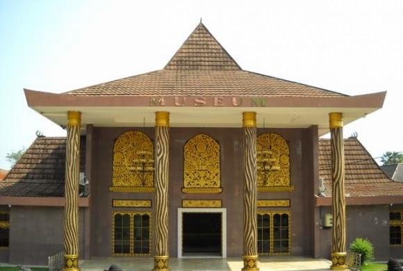 Peninggalan Sejarah Sumatera Selatan Palembang Februari 2016 Museum Balaputradewa Http