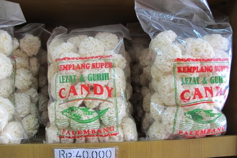 Camilan Khas Palembang Pempek Candy Berburu Kota