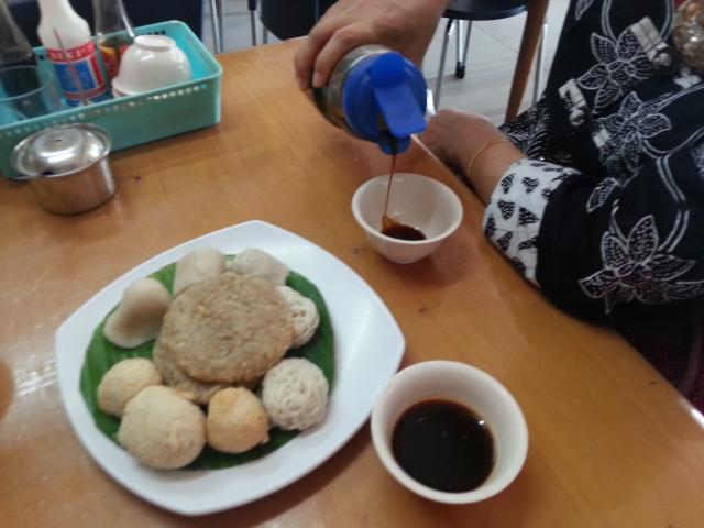 Pempek City Tour Palembang Ariniwahyu01 Candy Satu Porsi Cuko Kota