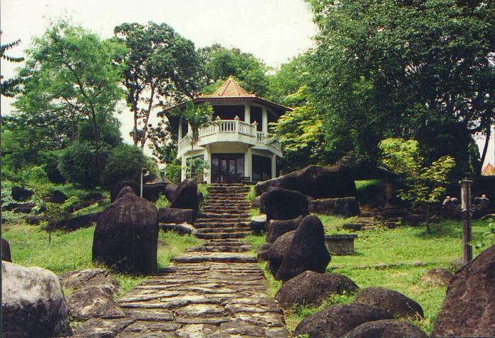 Contoh Makalah Tempat Wisata Palembang Terletak Bagian Barat Kota Taman