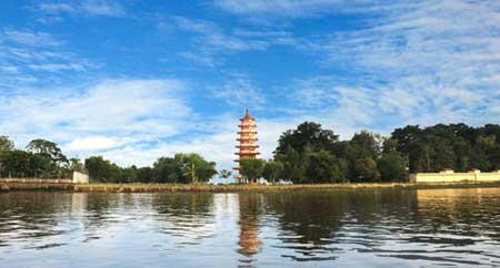 Fidiya Wisata Kota Palembang Pulau Kemaro Terdapat Kuil Budha Dikunjungi