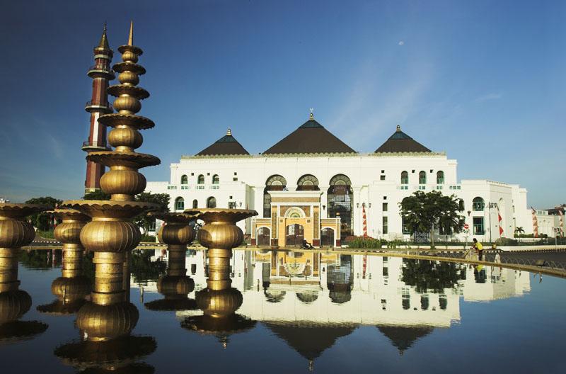 Palembang Tempat Wisata Kota Sekitar 750km Membelah Menjadi Dua Bagian