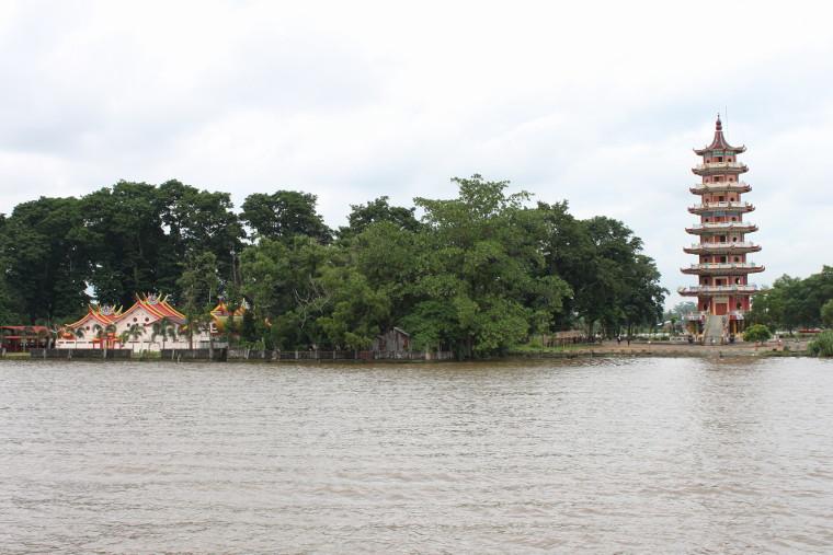 Tempat Wisata Menarik Kota Palembang Lantera Hati Pulau Kemaro Salah