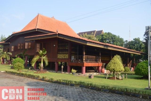 Anjungan Sumatera Selatan Simpan Warisan Era Keemasan Kerajaan Rumah Adat