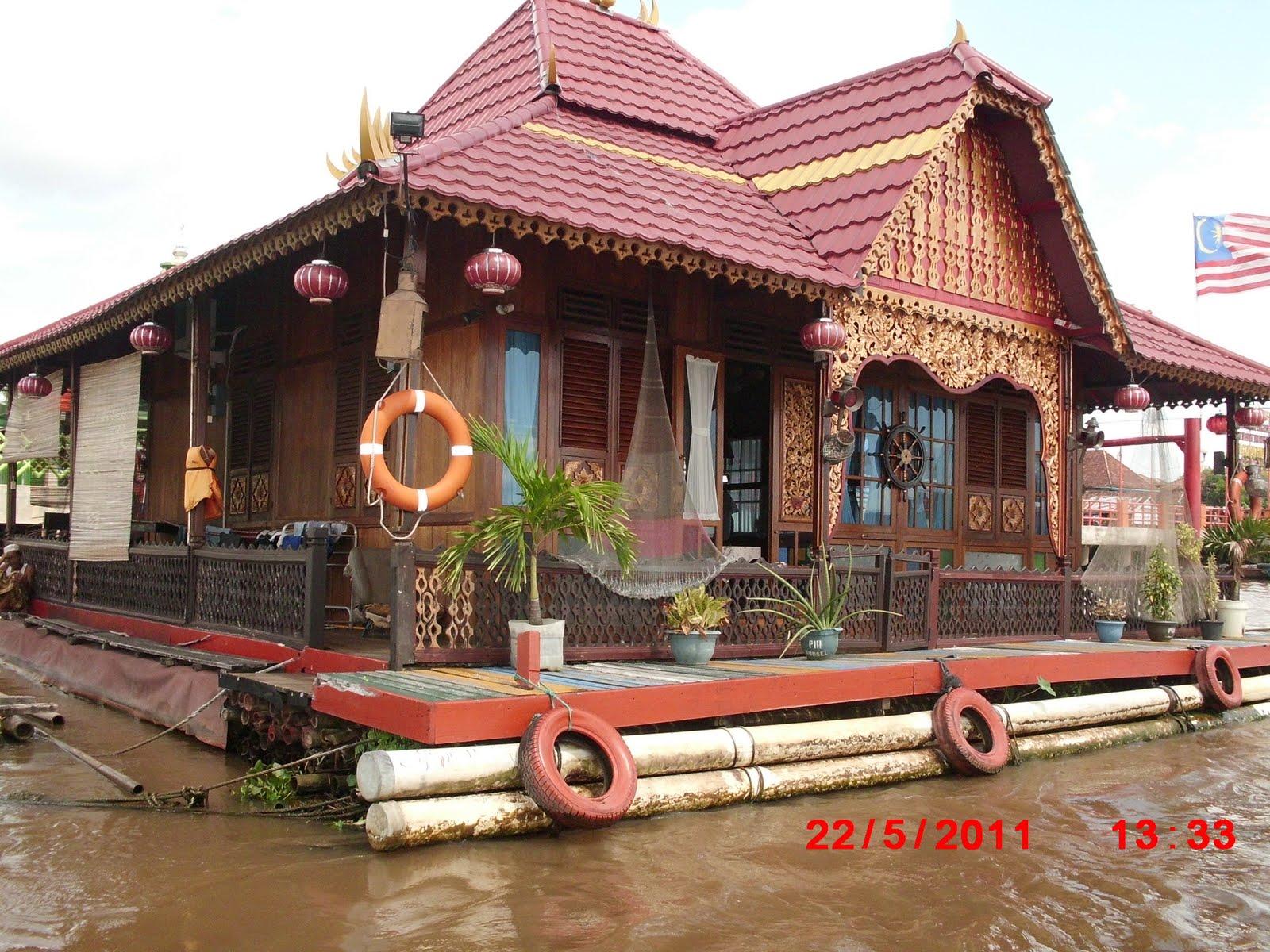 Arfiani Larasaty Ramadhanti Etnis Palembang Figure 1 Rumah Limas Sumatera