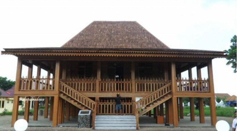 Dibalik Makna Simbolik Prestise Rumah Limas Majalahteras 1674 Tradisional Sumatera