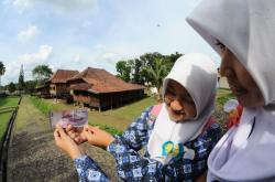 Lantai Rumah Limas Museum Negeri Balaputra Dewa Sumsel Jebol Sumatera