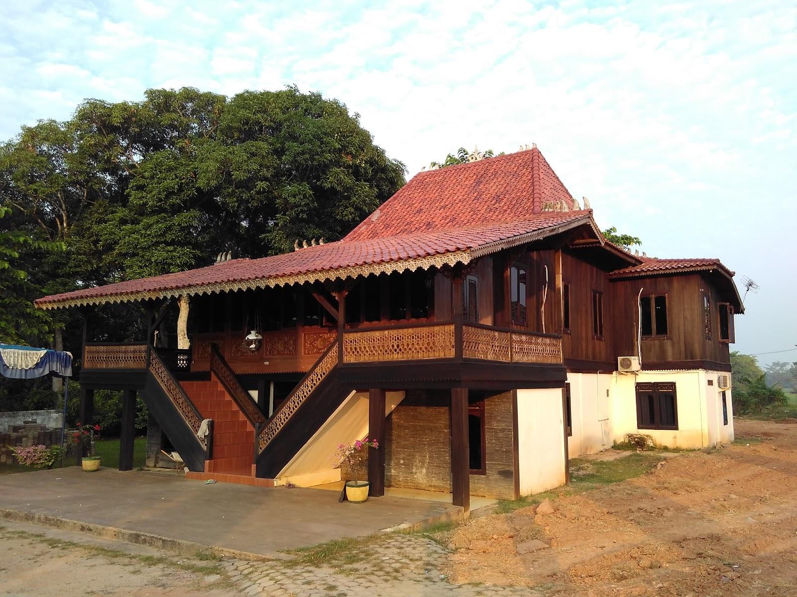 Palembang Bumi Sriwijaya Rumah Tradisional Limas Hattarajasa Desa Jejawi Ogan