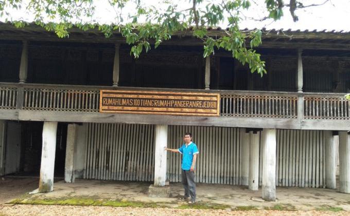 Rumah Limas 100 Tiang Dibangun 1811 Desa Sugih Waras 2