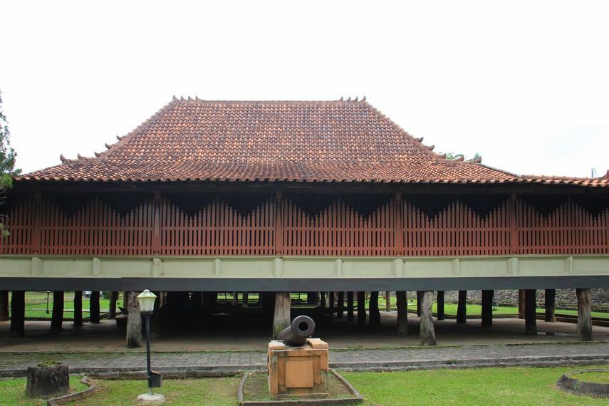 Rumah Limas Adat Masyarakat Palembang Sumatera Selatan Kota