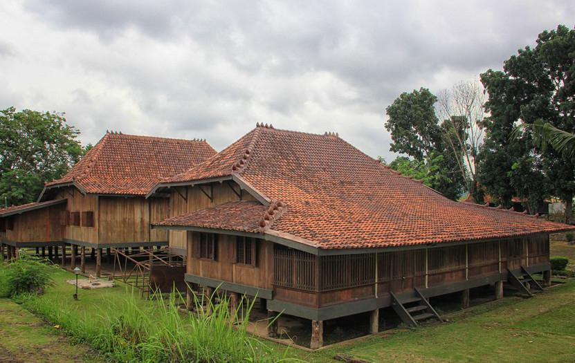 Rumah Limas Bangunan Asli Sumatera Selatan Bertingkat Tingkat Sportourism Kota