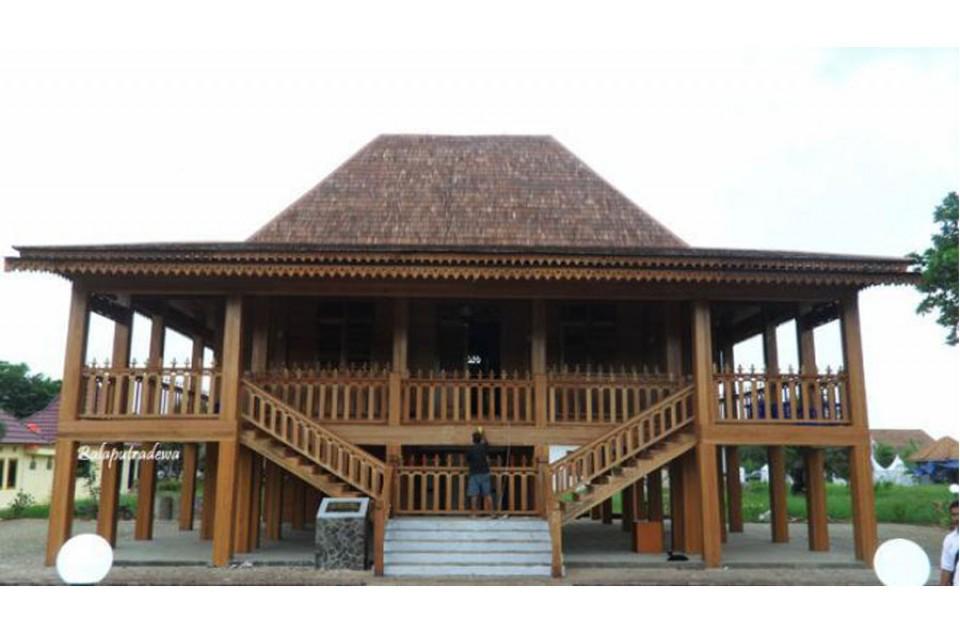 Rumah Limas Tradisional Sumatera Selatan Bobo Id Kota Palembang