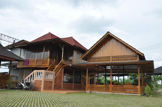 Rumah Panggung Kayu Cantik Palembang Sumatera Selatan Limas Kota