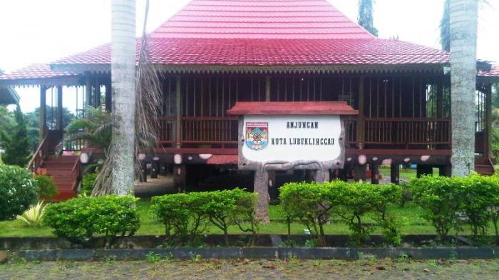 Tag Rumah Adat Dekranasda Palembang Sumatera Selatan Limas Kota