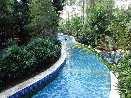 Amanzi Waterpark Foto Palembang Tripadvisor Taman Air Citra Grand Kota