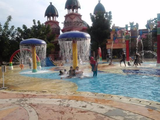 Amanzi Waterpark Palembang 2018 Photos Tripadvisor Taman Air Citra Grand