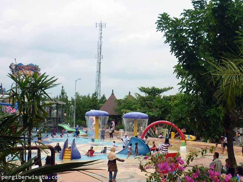 Amanzi Waterpark Palembang Bermain Air Bersama Keluarga Taman Citra Grand