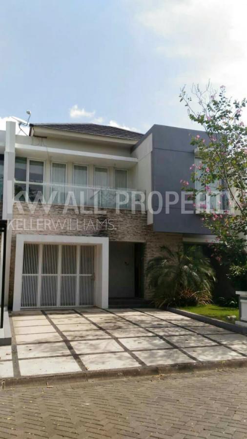 Rumah Dijual Cantik Komplek Elite Citra Grand City Palembang Taman