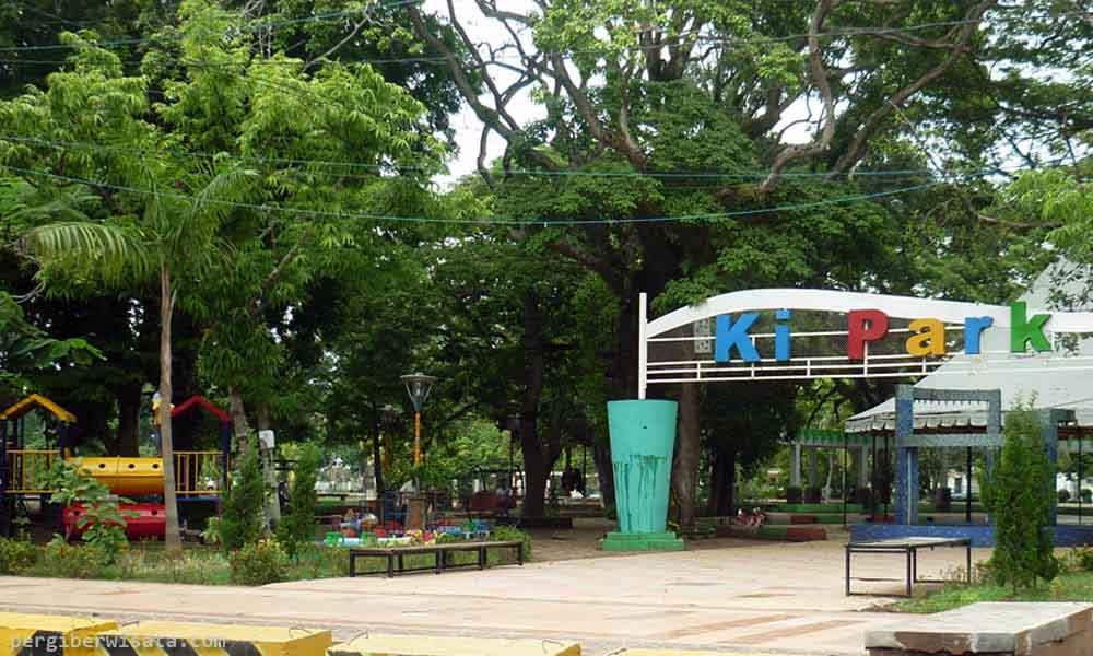Taman Kambang Iwak Palembang Tamasya Bersama Keluarga Pelangi Kota