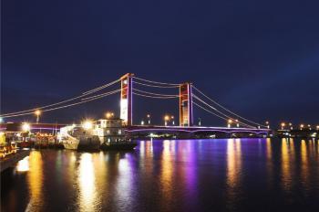 Warna Warni Taman Pelangi Sungai Musi Kota Palembang