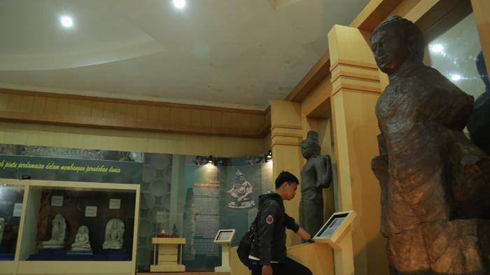 Menelusuri Jejak Kerajaan Sriwijaya Tpks Palembang Halaman Taman Purbakala Kota